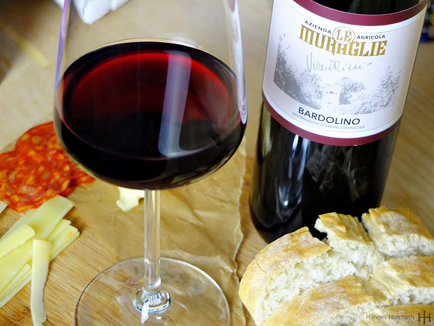 Bardolino Classico DOC - Vicentini 2018 - Le Muraglie - con pane e salumi